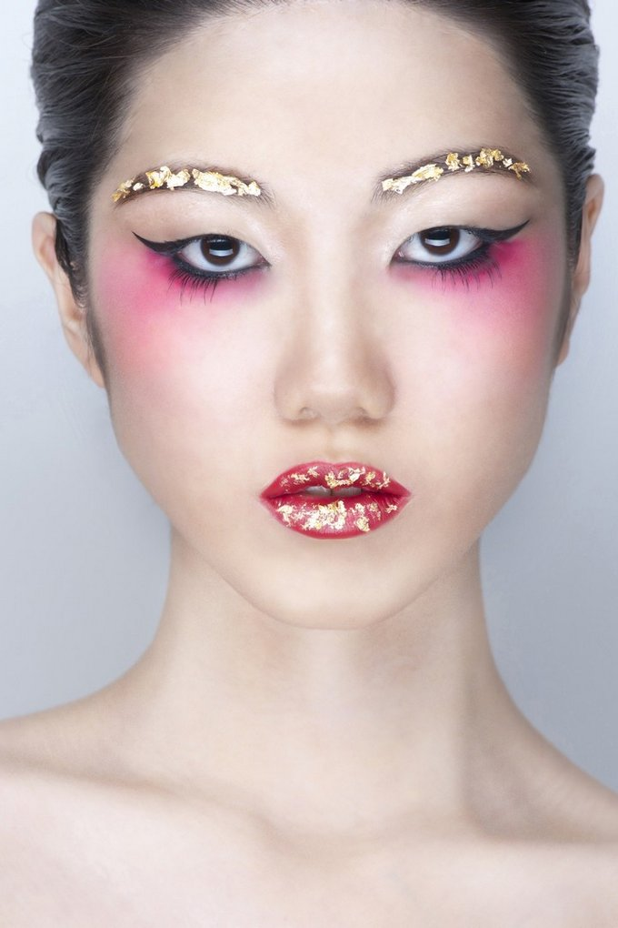 Avantgarde makeup